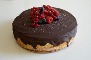 Himbeer-Sahne-Torte als Naked Cake