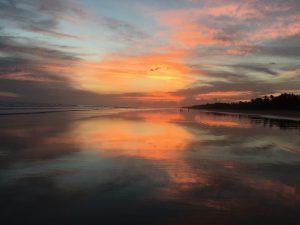 Sonnenuntergang am Strand von Las Lajas, Panama