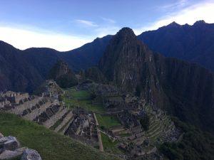 Machu Picchu vor Sonnenaufgang, Aguas Calientes, Cusco, Peru